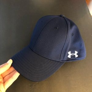 Under Armour Men's Midnight Blitzing Fitted Cap L